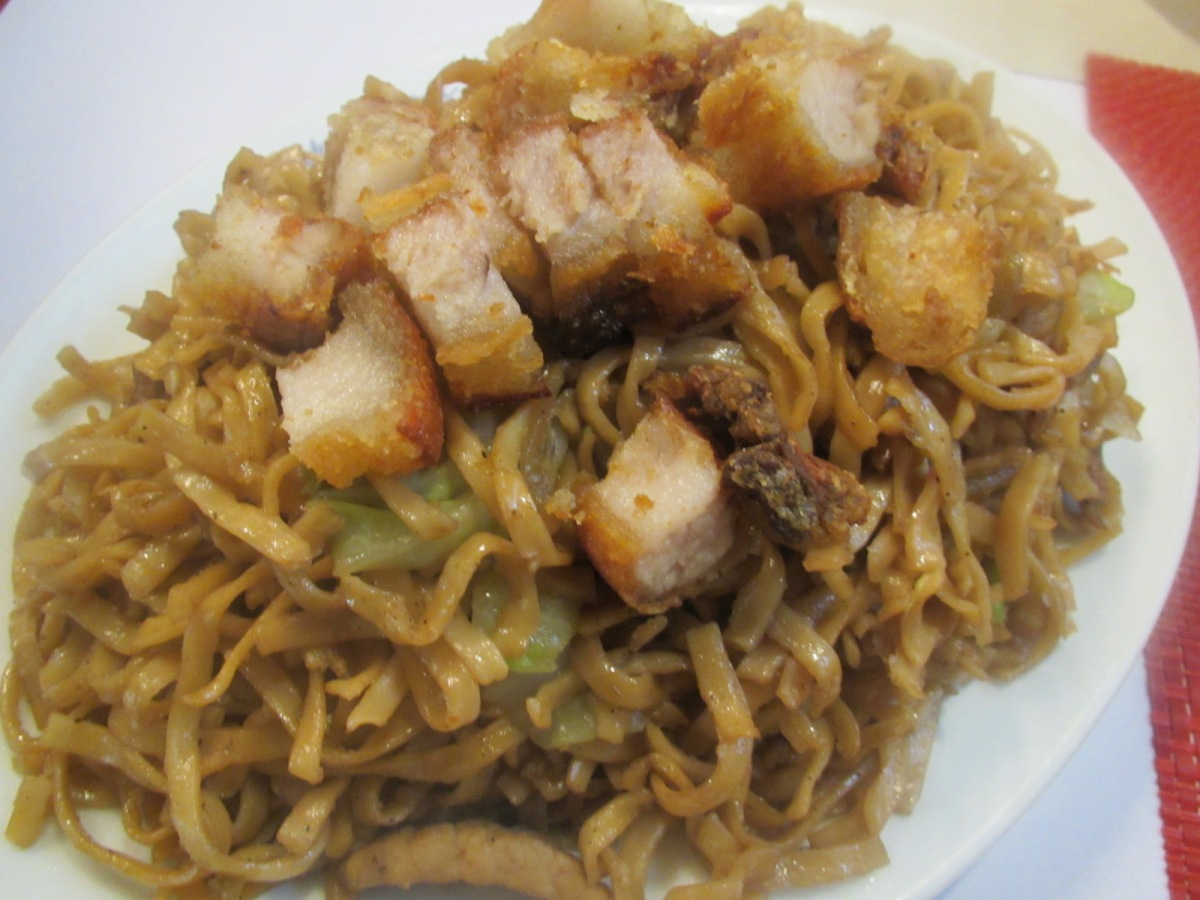 Salud Panciteria: Home of Marikina's Pancit Pinagulong